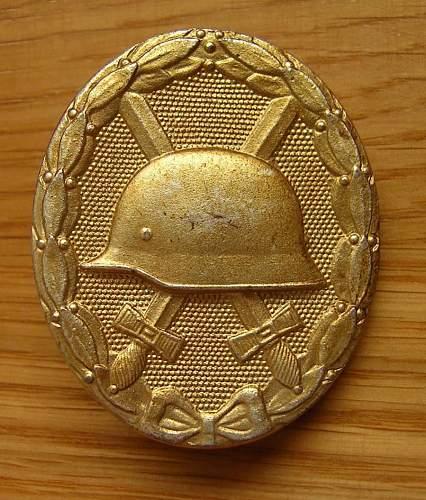 Verwundetenabzeichen in gold. Original or repro ?