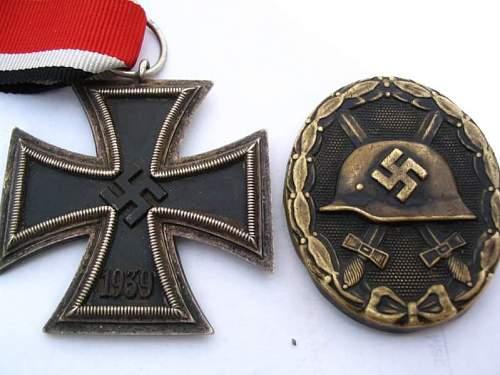 EKII and black Verwundetenabzeichen