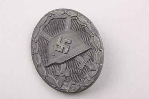 Verwundetenabzeichen gold & Heer Panzerkampfabzeichen silber
