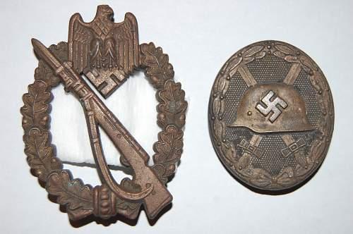 Infanterie Sturmabzeichen and das Verwundetenabzeichen