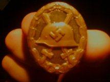 Name:  gold wound badge 3.jpg Views: 159 Size:  6.7 KB