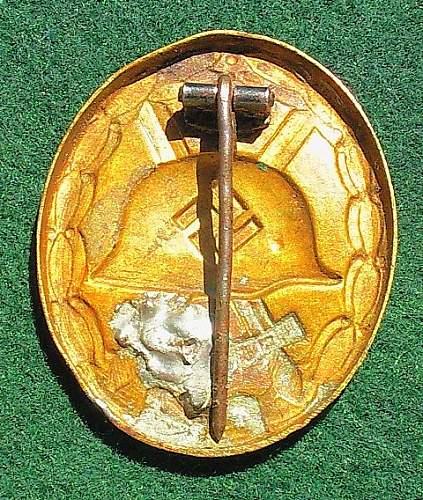 Gold Verwundetenabzeichen.