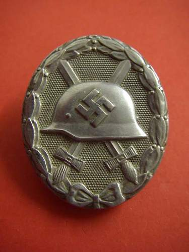 Click image for larger version.  Name:silver wound badge front.jpg Views:33 Size:45.7 KB ID:307538