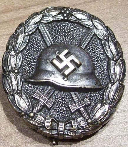 Click image for larger version.  Name:Alemania Medalla Herido Legion Condor Plata.jpg Views:1417 Size:132.8 KB ID:315647