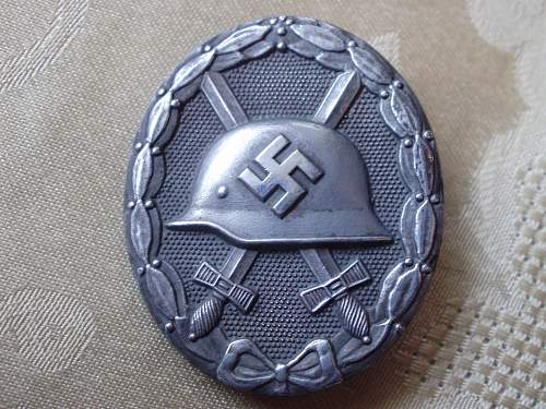 L/53 Verwundetenabzeichen authentication.........