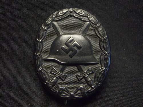 Verwundetenabzeichen in Schwarz help, please