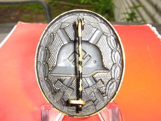 Verwundetenabzeichen in Gold mit Etui. Real or not?
