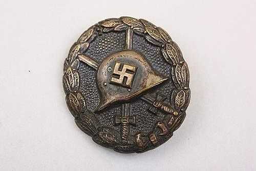 Verwundetenabzeichen Condor Legion in Schwarz.