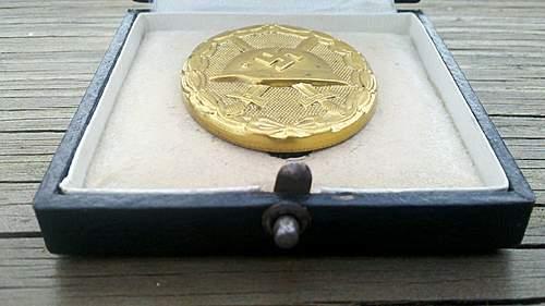 Near mint cased Gold Verwundetenabzeichen, MM #30