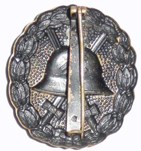 Click image for larger version.  Name:Spanish pattern wound badge in black, reverse.JPG Views:470 Size:59.2 KB ID:4012