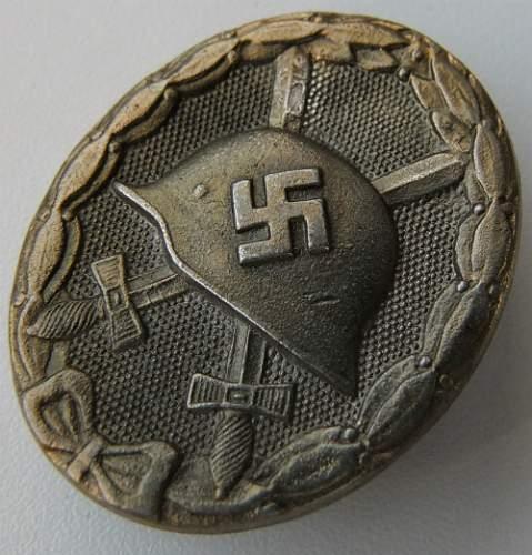 Verwundetenabzeichen in Gold - ask for help