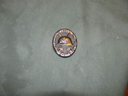 Click image for larger version.  Name:wound badge in black 003.jpg Views:40 Size:236.1 KB ID:408161