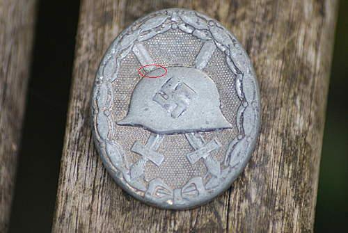 Name:  wound badge 002.jpg Views: 174 Size:  31.3 KB