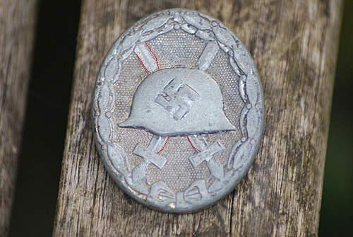 Name:  wound badge 002 (1).jpg Views: 182 Size:  31.3 KB