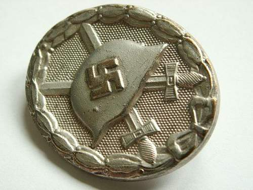 Verwundetenabzeichen in Silber - L/11 - original?