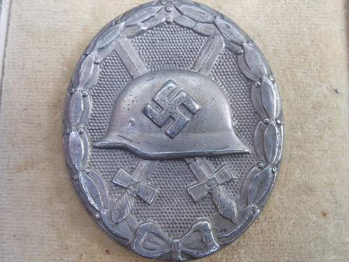 Click image for larger version.  Name:case wb rad patch gladiator helmet 003.JPG Views:56 Size:231.2 KB ID:410521