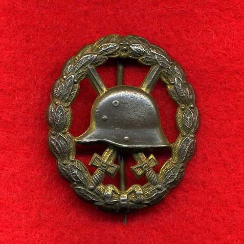 Click image for larger version.  Name:WW1CutOutGoldwoundBadgefront.jpg Views:126 Size:68.8 KB ID:439120