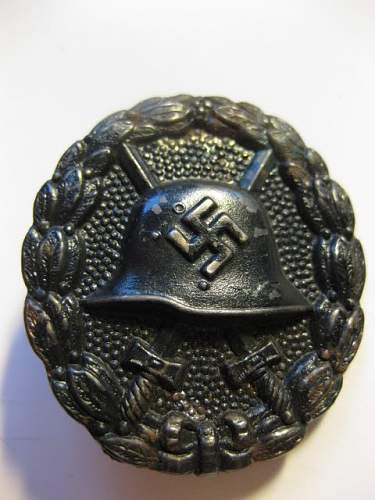Click image for larger version.  Name:condor leigon wound badge black 1.jpg Views:179 Size:65.8 KB ID:439124