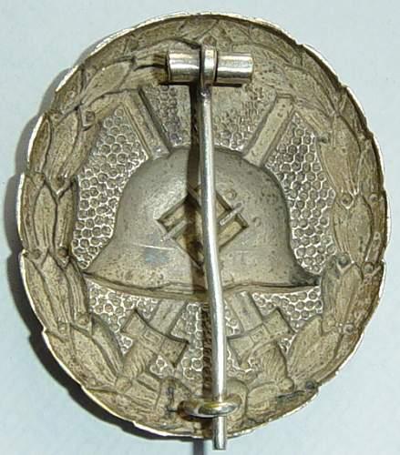 Name:  condor leigon wound badge silver 2.jpg Views: 1370 Size:  40.3 KB