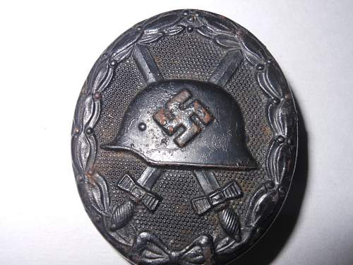 Click image for larger version.  Name:black wound badge 001.JPG Views:69 Size:227.9 KB ID:440976