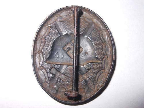Click image for larger version.  Name:black wound badge 002.JPG Views:47 Size:227.0 KB ID:440977