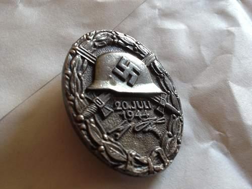 Another Juli 1944 Verwundetenabzeichen Fake.