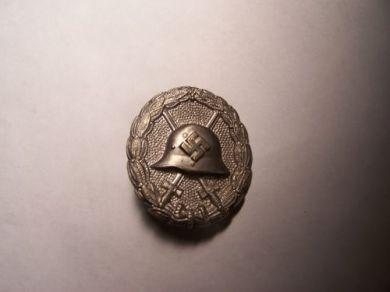 Verwundetenabzeichen Condor Legion in Schwarz First Pattern Wound Badge, Opinions Needed!