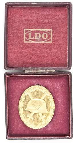 Verwundetenabzeichen in Gold mit Etui.