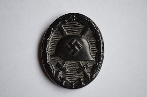 Black wound badge for review