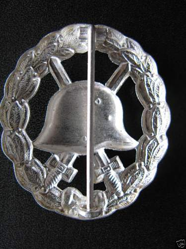 Click image for larger version.  Name:WW2 German Army  WOUND BADGE02.jpg Views:613 Size:67.9 KB ID:66996