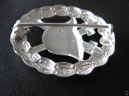Click image for larger version.  Name:WW2 German Army  WOUND BADGE03.jpg Views:725 Size:50.8 KB ID:66997