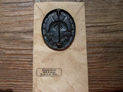Black Wound badge with Envelope
