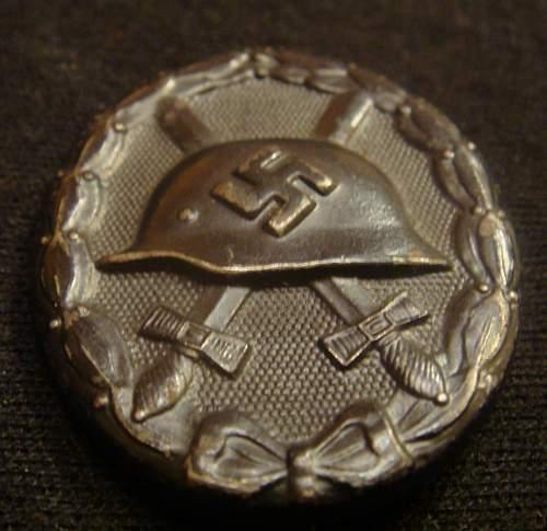 Verwundetenabzeichen 1939 in Schwarz for review