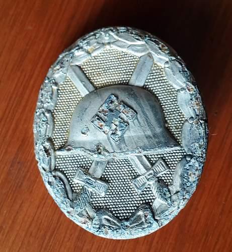 """Verwundetenabzeichen  in Silber, marked """"26"""""""