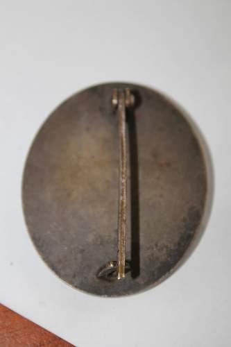Verwundetenabzeichen in bronze? Please help to ID and verify