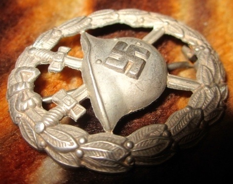 Condor legion Verwundetenabzeichen in silber authenticity