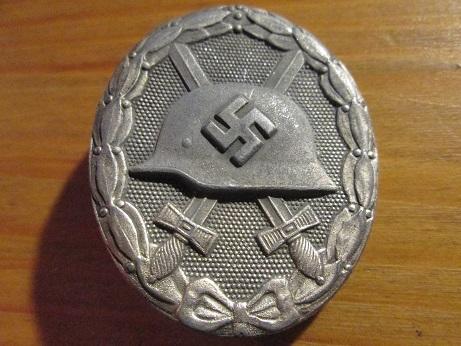 Verwundetenabzeichen 1939 in Silber, L/17 zinc