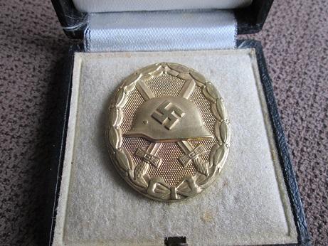 Verwundetenabzeichen 1939 in Gold  mm 26