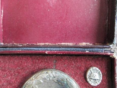 Verwundetenabzeichen 1939 in Silber, hollow, cased