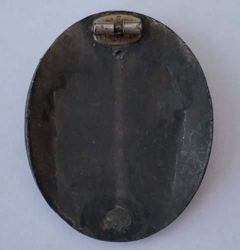 Verwundetenabzeichen 1939 in Silber: hand vaulted