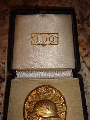 Authentic Gold Verwundetenabzeichen in original box?