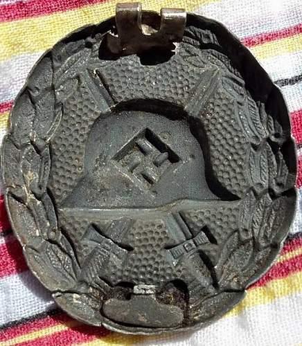 Verwundetenabzeichen Condor Legion in Schwarz, opinons would be appreciated