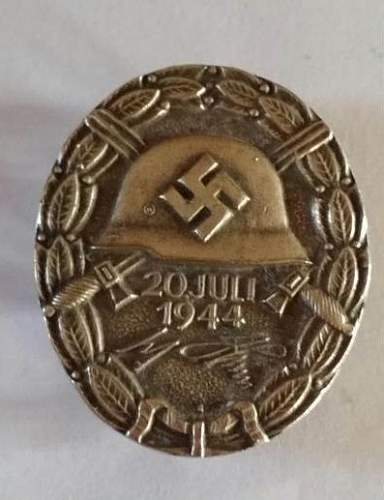 Click image for larger version.  Name:20 Jul 44 Wound Badge.jpg Views:98 Size:62.0 KB ID:866462