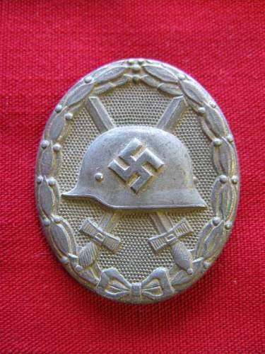 War Wound Badge in Gold