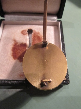 Verwundetenabzeichen 1939 in gold, Hauptmunzampt Wein 30 Wide Pin