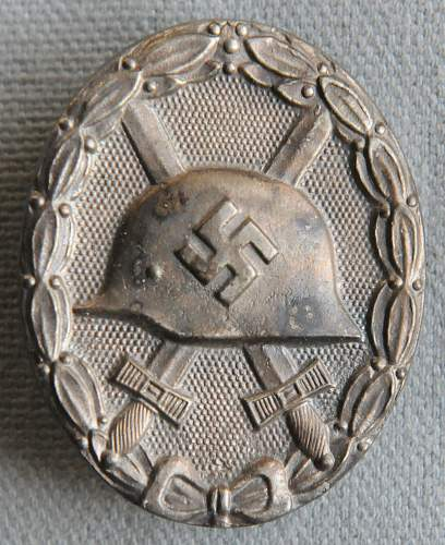 Click image for larger version.  Name:Wound Badge front.jpg Views:15 Size:224.6 KB ID:937951