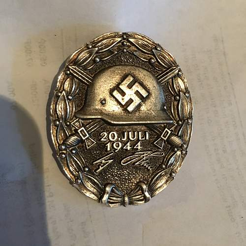 Need help 1944 Wounded Badge
