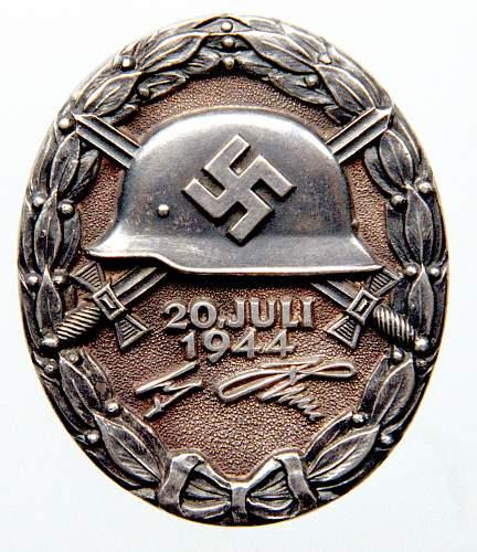 Click image for larger version.  Name:20 July Wound badge - Black - Jodl Alfred - Generaloberst - LR - Ailsby.jpg Views:6 Size:229.1 KB ID:951514