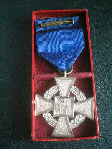 Need opinions on wound badge and long service  medal.