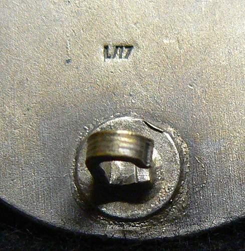 Verwundetenabzeichen in Silber - weird markings.